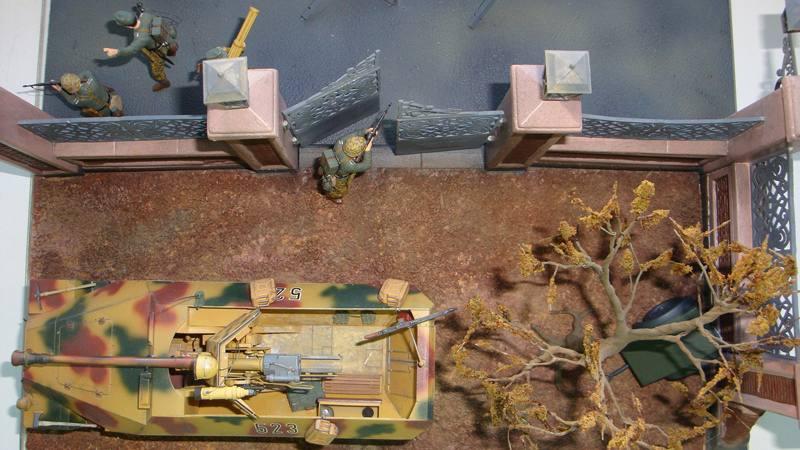 Битва за Берлин. Диорама с Sdlfz-251 w.Pak40