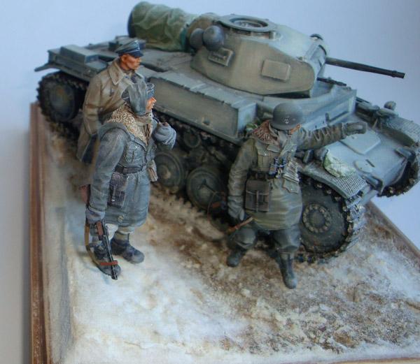 немецкий танк и пехотинцы