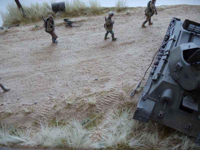 Диорама с танком Т-34/76 и красноармейцами