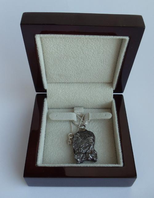 Кулон из метеорита