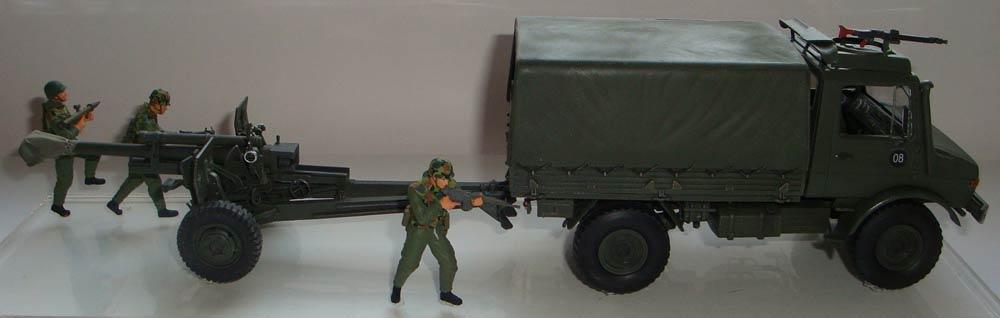 Unimog w.105mm Howitzer