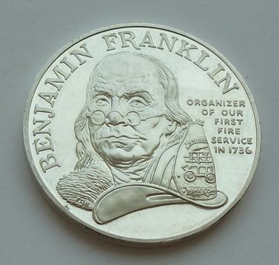 Серебряная унцовая медаль в память об организации пожарной службы в США