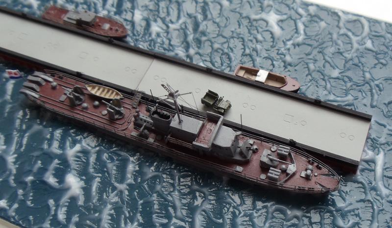 Малый противолодочный корабль пр.122 бис с причалом