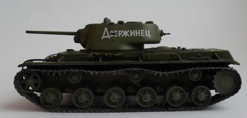 Тяжелый танк КВ-1 образца 1942г