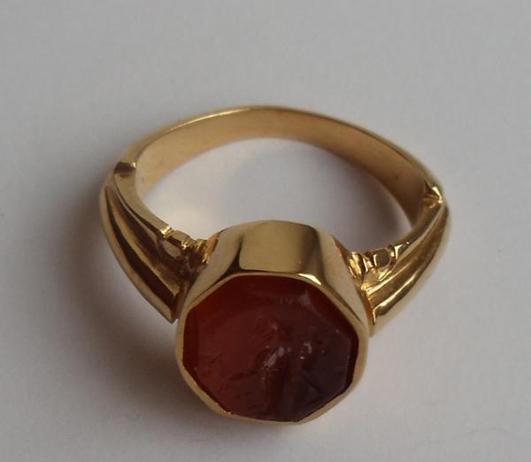 Серебряное кольцо с античной инталией